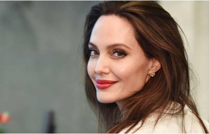 """أنجلينا جولي """"عاجزة شاحبة الوجه"""".. فما السبب؟"""
