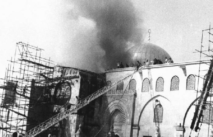 فلسطين | الخطيب: حرائق المسجد الأقصى لم تنطفئ منذ خمسين عاما