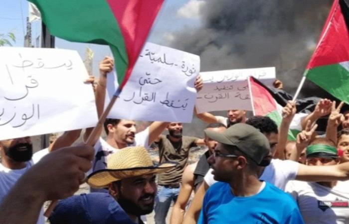 المخيمات تسبق جلسة الحكومة بالإضراب