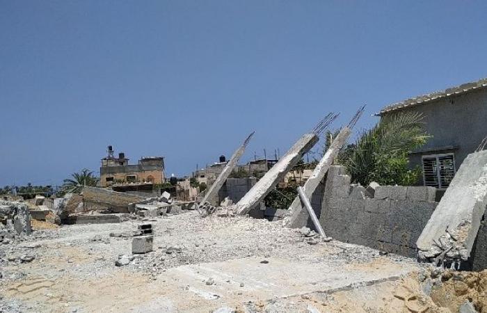 فلسطين   الاحتلال يخطر أكثر من 20 منشأة بالهدم والإخلاء في محيط مخيم قلنديا