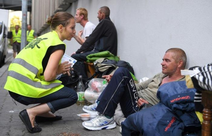"""الفقر ينتشر في فرنسا بشكل يبعث على """"القلق الشديد"""""""