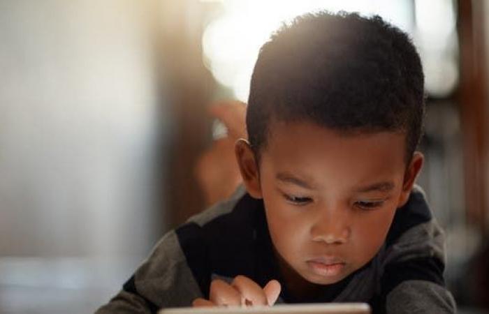 """التكنولوجيا والأطفال.. نصائح تساعد الأهل بجعلها """"صحية"""""""
