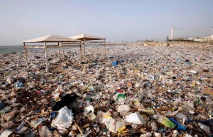 نفايات لبنان تدعم القطاع الصناعي.. والدولة لا تسمع