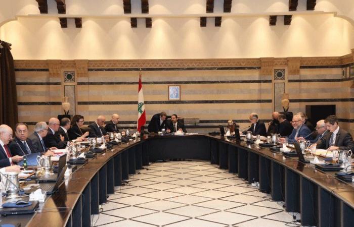 لبنان يترقب بقلق سياسي واقتصادي تصنيفه المالي الائتماني
