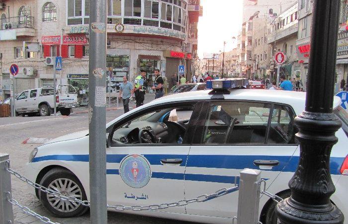 فلسطين   القبض على شخص بتهمة التشهير و الاساءة ضد أبومازن و الشرطة