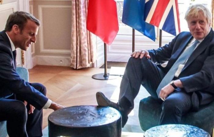هل خرج بوريس جونسون عن حدود اللياقة خلال زيارته لفرنسا؟
