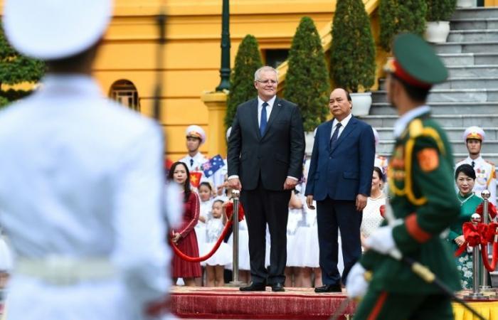 """أستراليا تدعو دول آسيا إلى الدفاع عن """"استقلالها وسيادتها"""""""