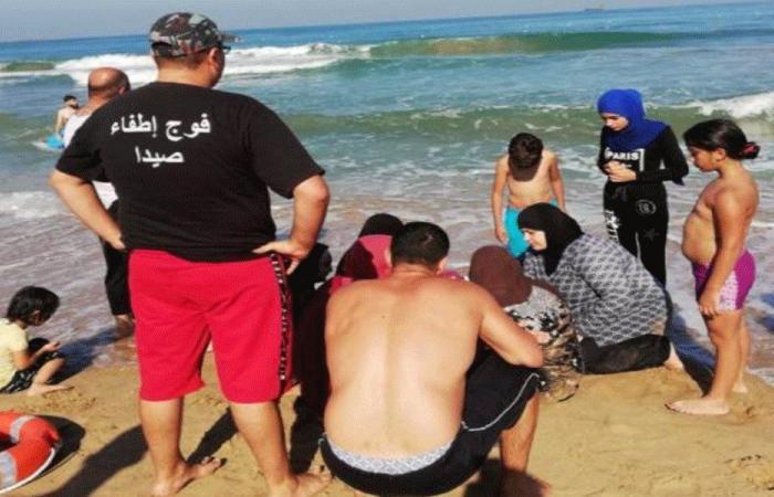انقاذ عائلة سورية من الغرق في صيدا
