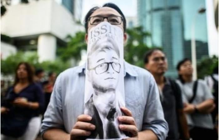 """موظف القنصلية البريطانية في هونغ كونغ أوقف لأنه """"استعان بخدمة مومسات"""""""