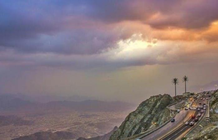 الخليح   شاهد.. مدينة سعودية ترتفع 2000 عن سطح البحر وبهذا تتميز