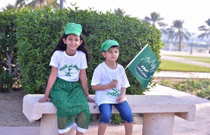 الخليح | بالصور.. استعراضات جوية احتفاءً باليوم الوطني في الخُبر