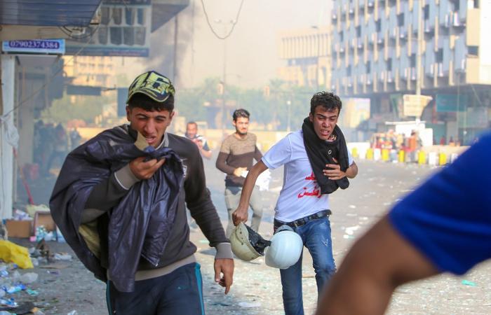 العراق | لجنة حقوقية عراقية: قناصة يستهدفون المحتجين