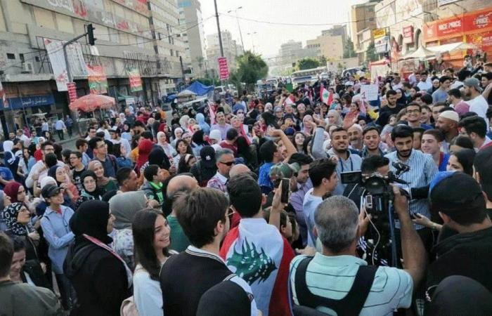 مسيرات طالبية في طرابلس.. واعتصامات أمام منازل السياسيين