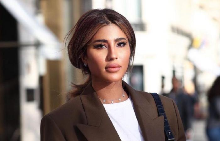"""ليلى عبدالله تكشف عن """"ورم"""" في يدها.. والجمهور طبيبها!"""