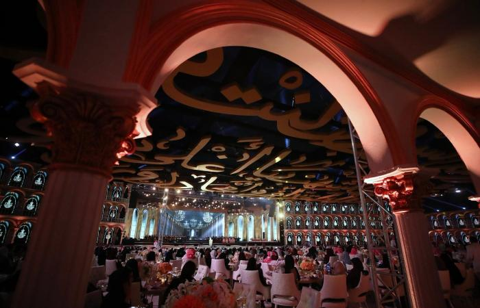 الخليح | بالصور.. هيئة الترفيه تكرّم الأمير بدر بن عبدالمحسن