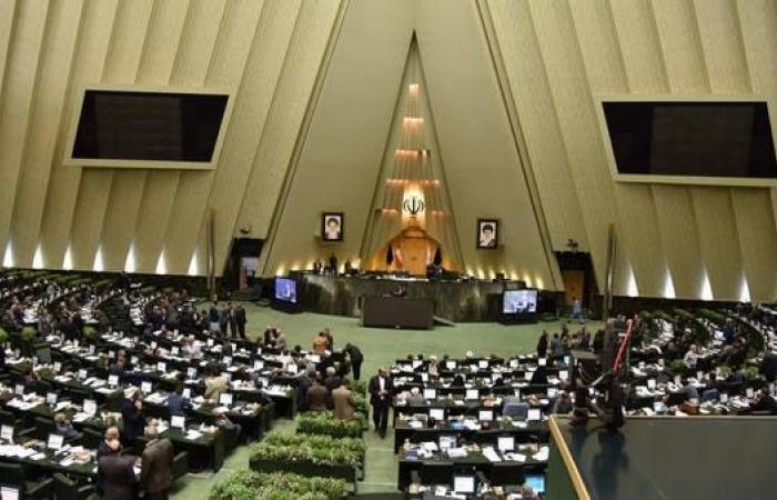 إيران | إيران تواجه مأزق تصفير ميزانيتها النفطية وتبحث عن حلول