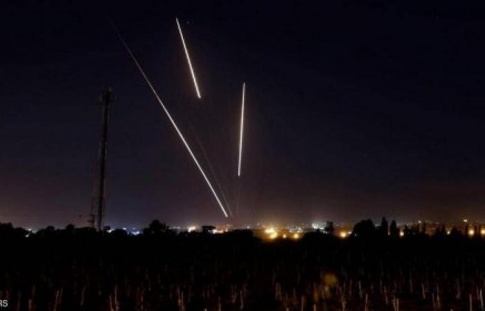 """فلسطين   إسرائيل تتحدث عن """"نيران كثيفة"""" من غزة.. وتستعد لأيام القتال"""