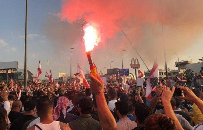 ثوار طرابلس انضموا إلى التظاهرة على طريق بعبدا