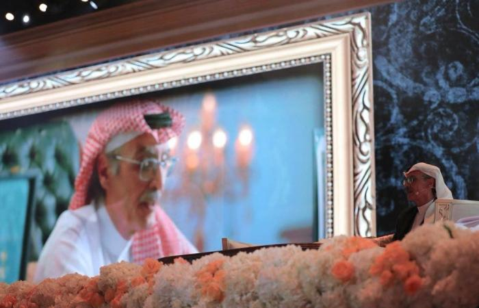 قصص وذكريات رواها الفنانون ليلة تكريم الأمير بدر