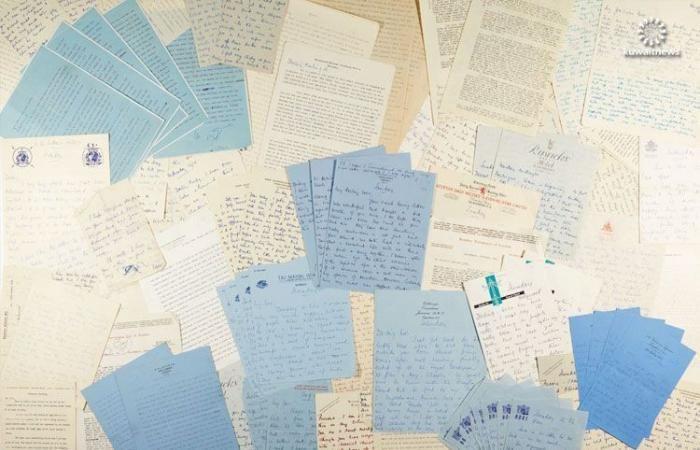 """رسائل تبادلها مبتكر """"جيمس بوند"""" مع عشيقته في المزاد بهذا السّعر الضّخم"""
