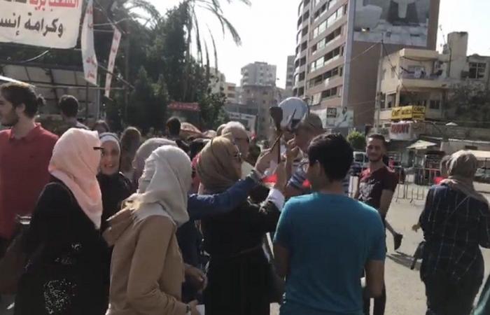مسيرة صامتة في بعقلين حدادًا لعلاء أبو فخر