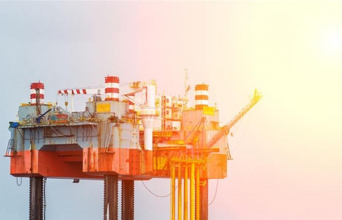الأفق الاقتصادي مسدود.. أبعدوا النفط عن الصراعات السياسية!