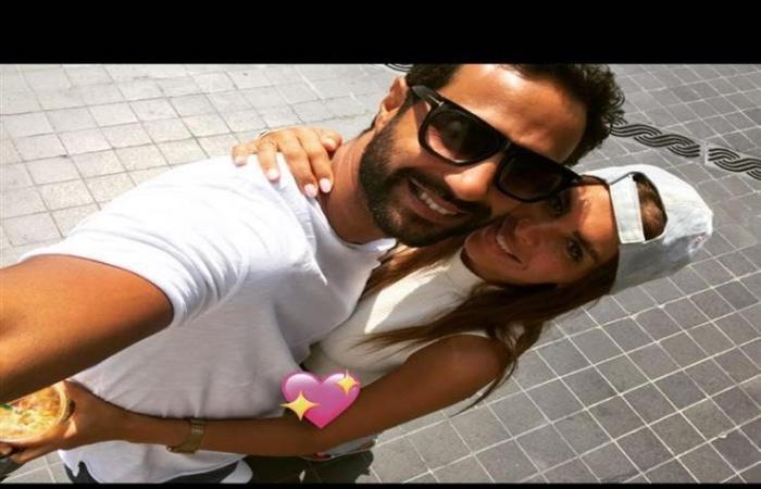 كريم فهمي يُواجه هجومًا بعيد ميلاده.. والسبب تقبيل زوجته!