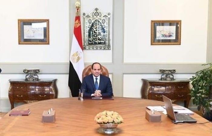 مصر | السيسي يبحث حماية الحدود مع وزير الدفاع وقائد البحرية