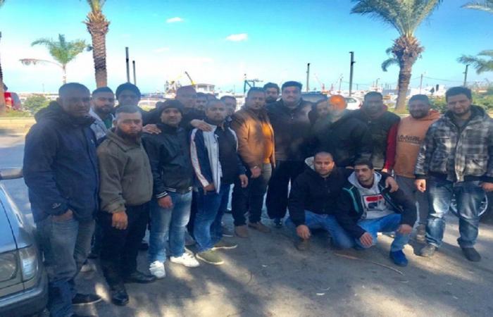 مياومو بلدية الميناء اعتصموا خوفا على مصيرهم