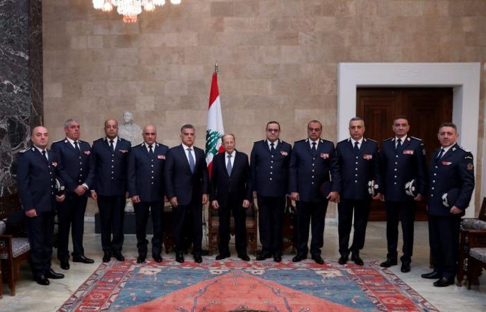 عون أمام القيادات الأمنية: البلد يمر بأزمة غير مسبوقة في تاريخه
