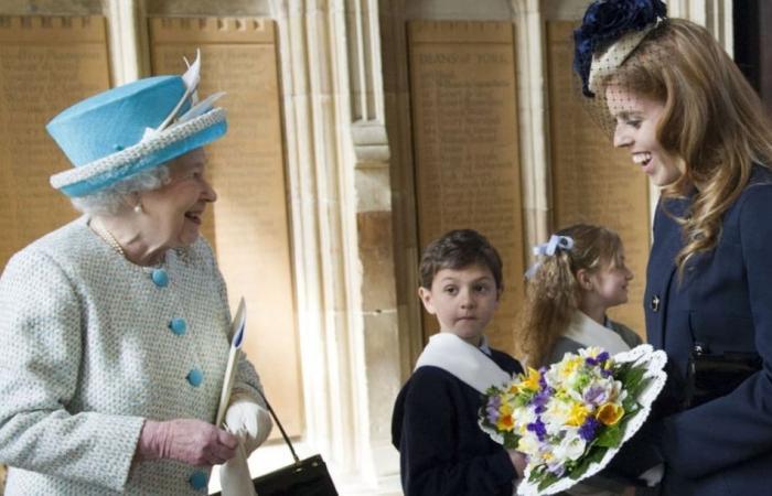 الملكة إليزابيث تكسر البروتكول الملكي من أجل حفيدتها الأميرة بياتريس