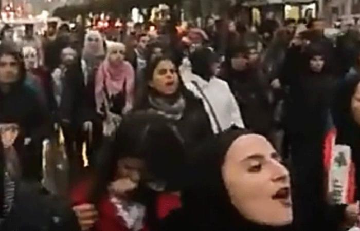 مسيرة راجلة جابت شوارع طرابلس رفضًا لتكليف دياب