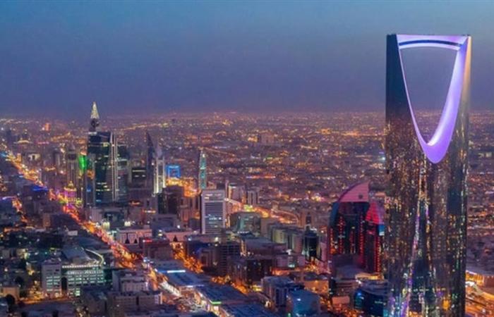 المحلات التجارية بهذا البلد الخليجي ستفتح على مدار الساعة!