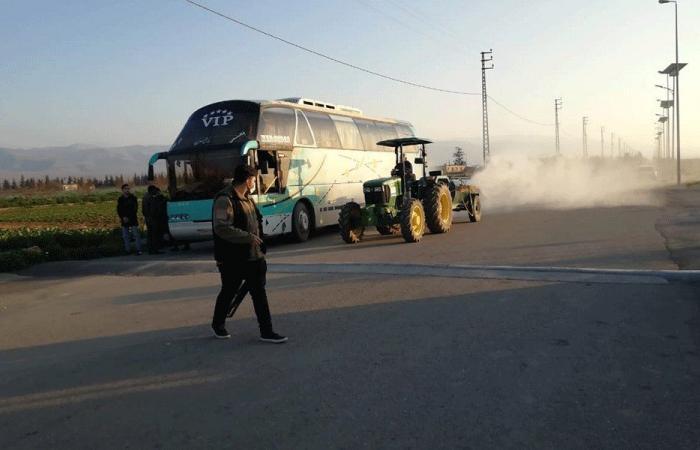 إعادة باص إلى سوريا بعد الاشتباه بإصابة راكبة بكورونا
