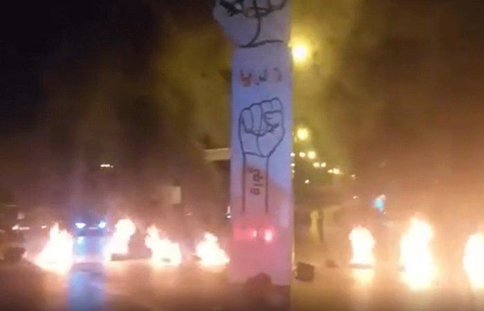عودة قطع الطرقات في لبنان (فيديو وصور)