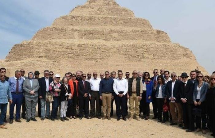 مصر   العناني: رممنا هرم زوسر أقدم مبنى حجري بتاريخ البشرية