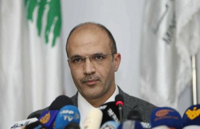 """وزير الصحة: لتفادي السفر والحشود للحد من تفشي """"كورونا"""""""