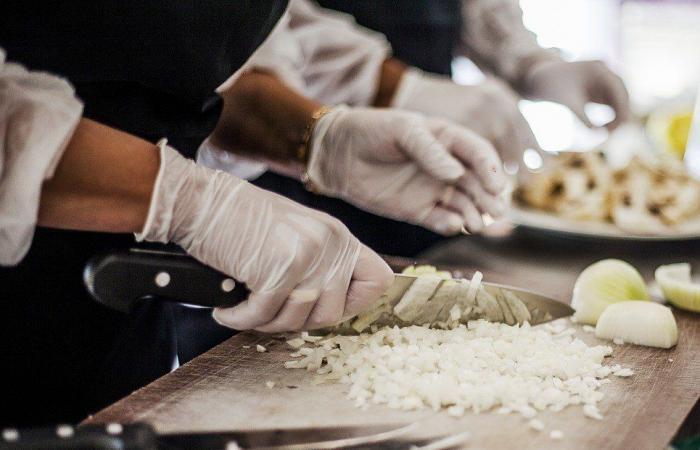 نقابة أصحاب المطاعم: التزام بمعايير سلامة الغذاء واجراءات وقائية