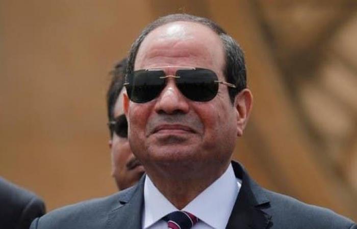 مصر   السيسي يكلف الحكومة بتطوير إجراءات مواجهة كورونا