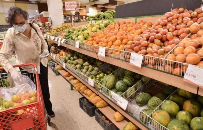 عند شراء الخضروات والفواكه.. كيف تحمي نفسك من كورونا؟