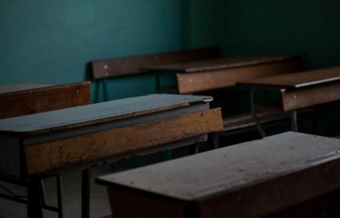 هل تبقى المدارس مقفلة حتى أيلول؟