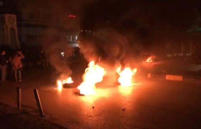احتجاجات في طرابلس.. وإطلاق مفرقعات باتجاه الجيش(فيديو)