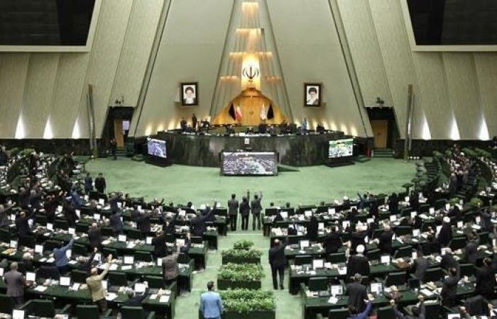 إيران   صراع داخل التيار المتشدد حول رئاسة البرلمان الإيراني الجديد