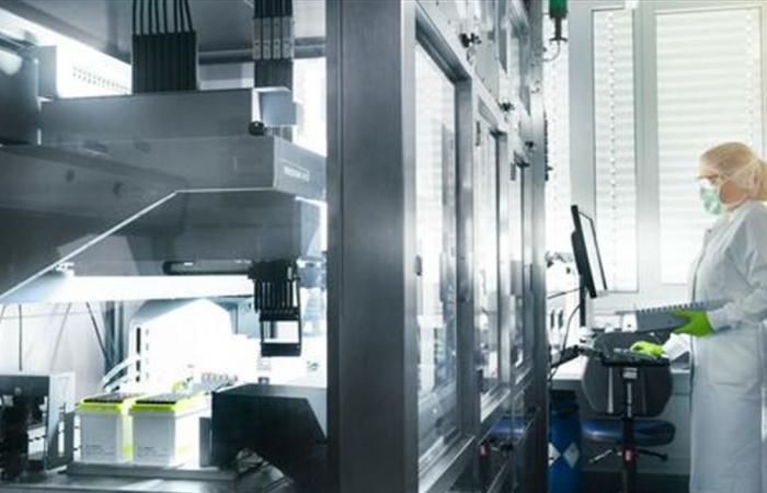 'فايزر' عملاقة صناعة الأدوية تحدّد تاريخاً واعداً لإنتاج لقاح 'كورونا'