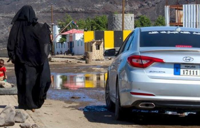 اليمن   فيديو يوثق لحظة نقل أول متوفى بكورونا في اليمن