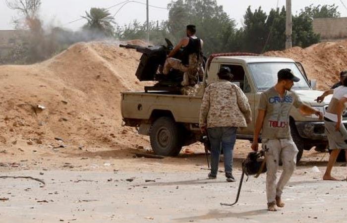 تركيا تواصل نقل المقاتلين السوريين إلى ليبيا.. ومقتل 26