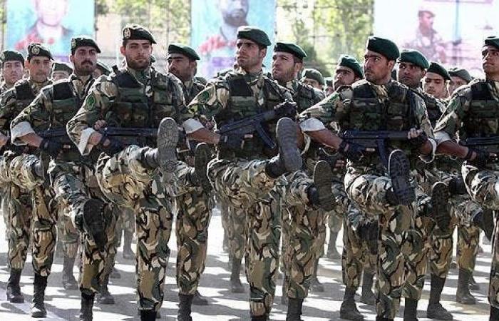 إيران | تخبط إيراني وتناقضإزاء قرار تمديد حظر الأسلحة