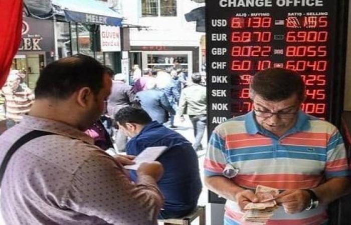 """تركيا: انكماش حاد للنشاط الصناعي في نيسان بسبب """"كورونا"""""""