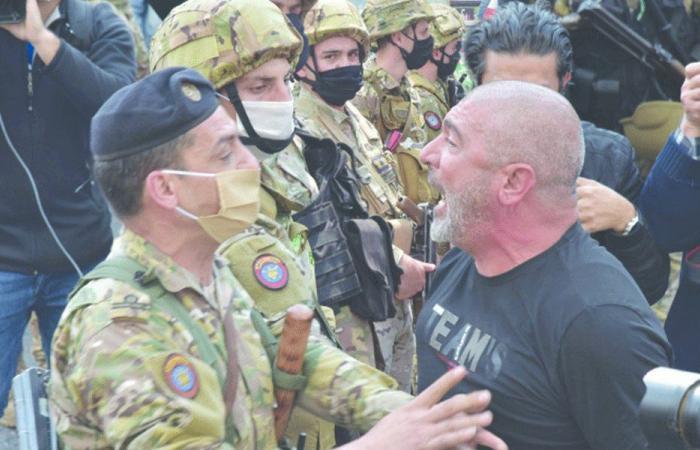 معتقلو الاحتجاجات: مخابرات الجيش تستخدم التعذيب بالكهرباء!