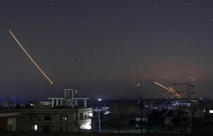 سوريا | الإعلام السوري: الدفاعات الجوية تصدت لهجوم إسرائيلي بحلب